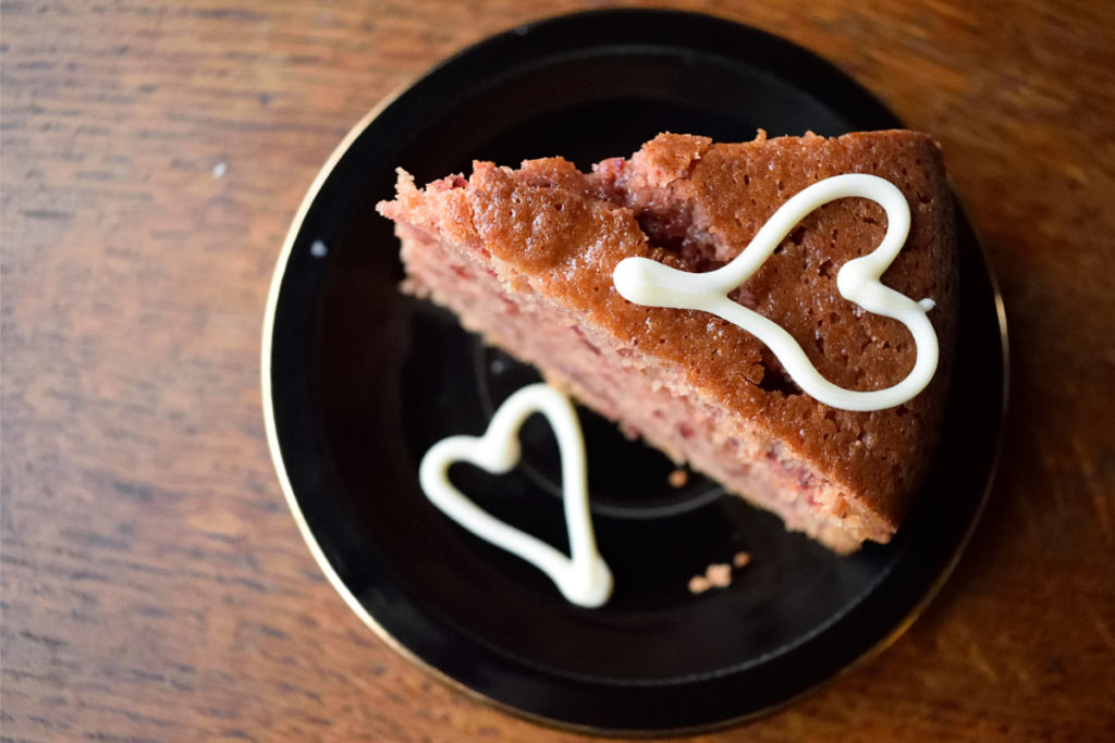 Natural pink valentine's day cake.