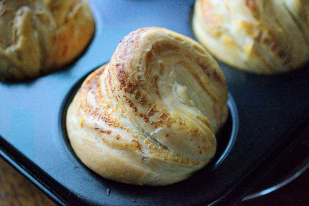 Cheesy cruffins