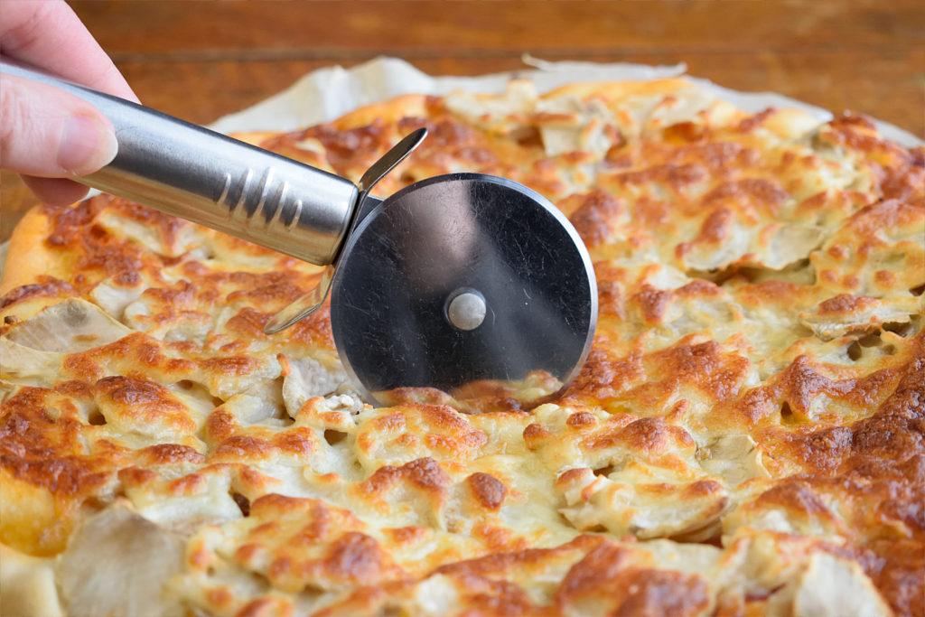 Pizza with Jerusalem Artichoke
