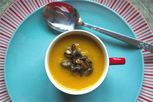 Carrot soup with Spiced Pumpkin Seeds